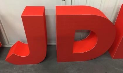 Lettre polystyrène expansé peint + faces PVC