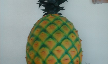 Resin pineapple