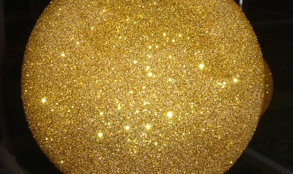 Gold glitter sphere